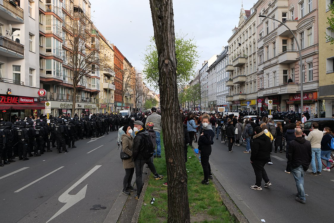 Revolutionary 1st may demonstration Berlin 2021 76.jpg