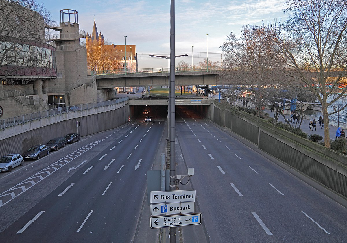 Rheinufertunnel