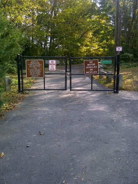 File:Ridgefield Rail Trail 1.jpg