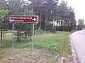 Roadsign Obinitsa cemetery Estonia.jpg