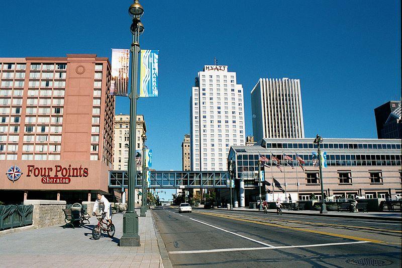 File:Rochester NY Main Street 2001.jpg