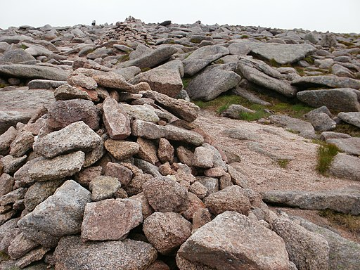 Rocky terrain leading to Cairngorm summit - geograph.org.uk - 1975599