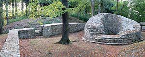 Ruinen der Isenburg mit Bergfried