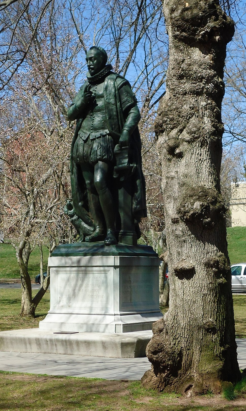 Rutgers University statue and tree in April College Campus