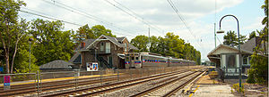 Haverford station - A westbound Paoli Local train at Haverford Station.