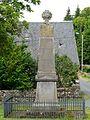 Saint-Étienne-aux-Clos monument aux morts.JPG