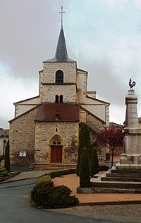Saint-Igny-de-Vers, église Saint-Jean-Baptiste et monument aux morts.jpg