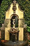 Sculpture in Portmeirion (7720).jpg