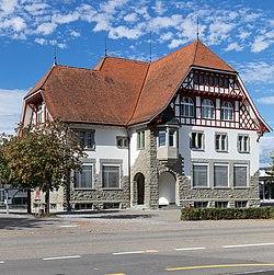 Sekundarschulhaus in Dozwil.jpg