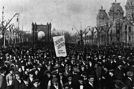 Demonstration after the Tragic Week, 1909 Semana tragica.jpg