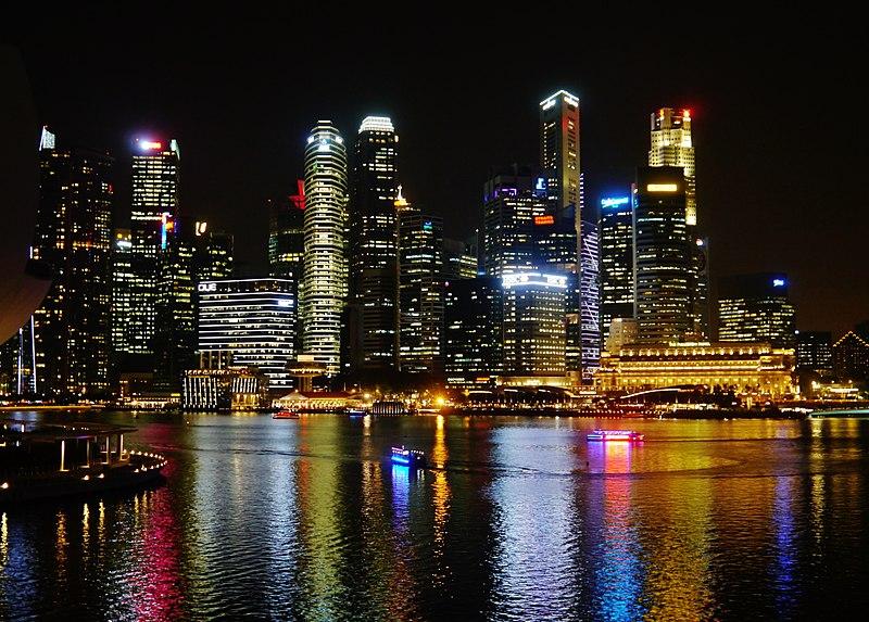 File:Singapore Marina Bay bei Nacht 7.jpg