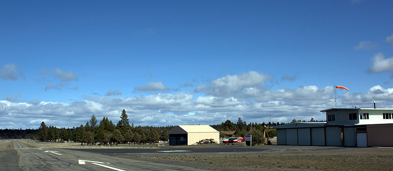 File:Sisters Eagle Air Airport - Sisters Oregon.jpg