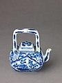 Small covered wine pot or teapot MET SLP1698-1.jpg