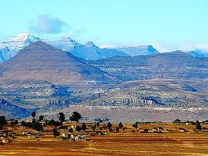 Maloti Mountains - Snow Capped Maloti Mountains - panoramio
