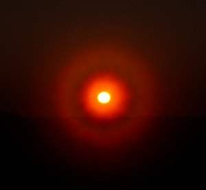 Atmospheric diffraction - Solar diffraction ring