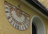 St. Korbinian Unterhaching Sonnenuhr.jpg