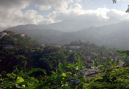 Blue Mountains Start of the Blue Mountains just north of Kingston, Jamaica.jpg