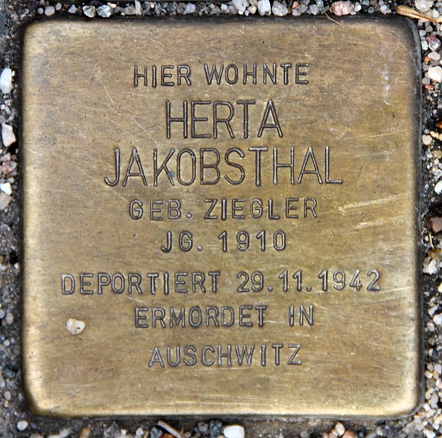Photo of Herta Jakobsthal brass plaque