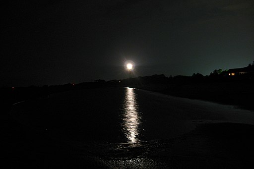 Sullivans-Island-Lighthouse-beach-night