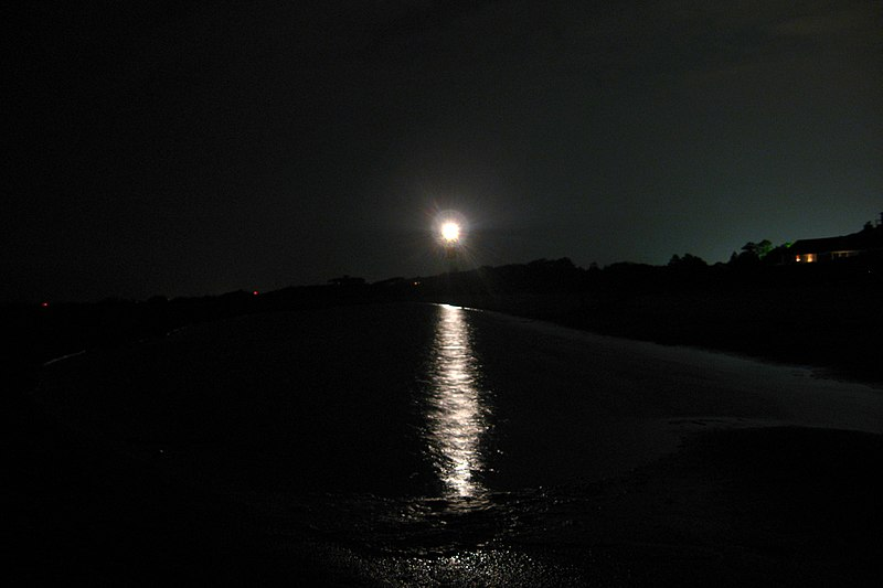 File Sullivans Island Lighthouse Beach Night Jpg Wikimedia Commons