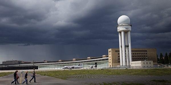 5th place and regional winner Berlin: Honigdachs (new user) with Flughafen Berlin-Tempelhof
