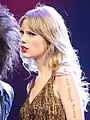 Taylor Swift (6820735620) - cropped.jpg
