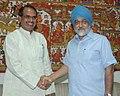 The Chief Minister of Madhya Pradesh, Shri Shivraj Singh Chauhan meeting the Deputy Chairman, Planning Commission, Shri Montek Singh Ahluwalia to finalize Annual Plan 2009-10 of the State, in New Delhi on August 07, 2009.jpg