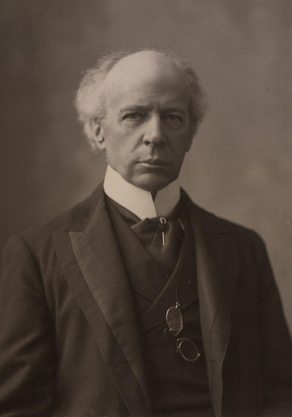 The Honourable Sir Wilfrid Laurier Photo C (HS85-10-16873) - medium crop