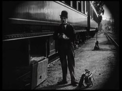 Tiedosto:The Idle Class (1921).webm