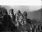 The Three Sisters, Katoomba, Blue Mountains, NSW (2363484900).jpg