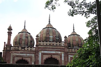 Tomb of Safdar Jang - Three-domed mosque within the complex to the right side of the entrance gate