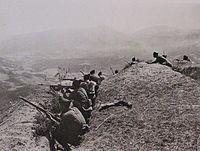 Τμήμα Ελληνικού Πεζικού στις πλαγιές του Τμώλου.