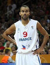 Tony Parker playing for the French national team