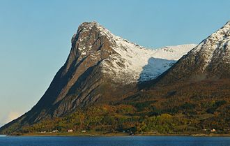 Harstad - Toppen (mountain on Grytøya, October 2009).