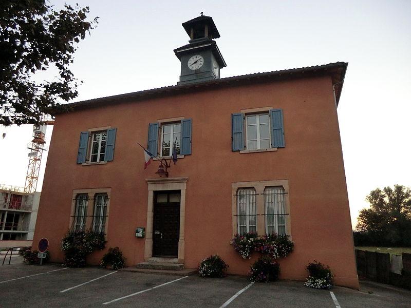 Town hall of Saint-André-de-Corcy.