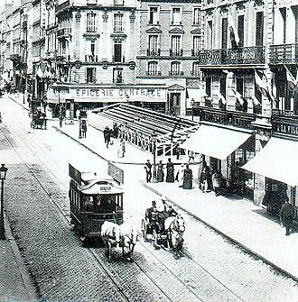 Trams in Rouen - A horse-drawn tram on the Rue Jeanne-d'Arc