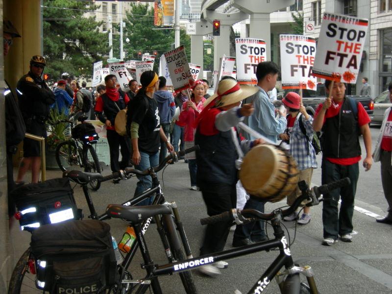 File:US-Korea FTA protest 07.jpg