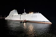 USS Zumwalt (DDG-1000) at night