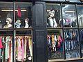 Une vitrine d angle rue Portobello Notting Hill Londres.jpg