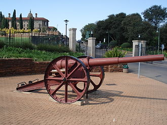 10.5 cm SK L/40 naval gun - Gun from SMS Königsberg, which served ashore in the East Africa Campaign in World War I, outside the Union Buildings in Pretoria, South Africa.