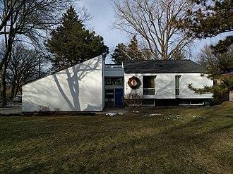 University Grove, Minnesota - Joseph Livermore House (1968) by Ralph Rapson
