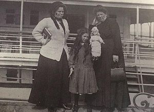 Eva Hart - Eva and Esther Hart (center and right) upon their return to the United Kingdom after the sinking of the Titanic.