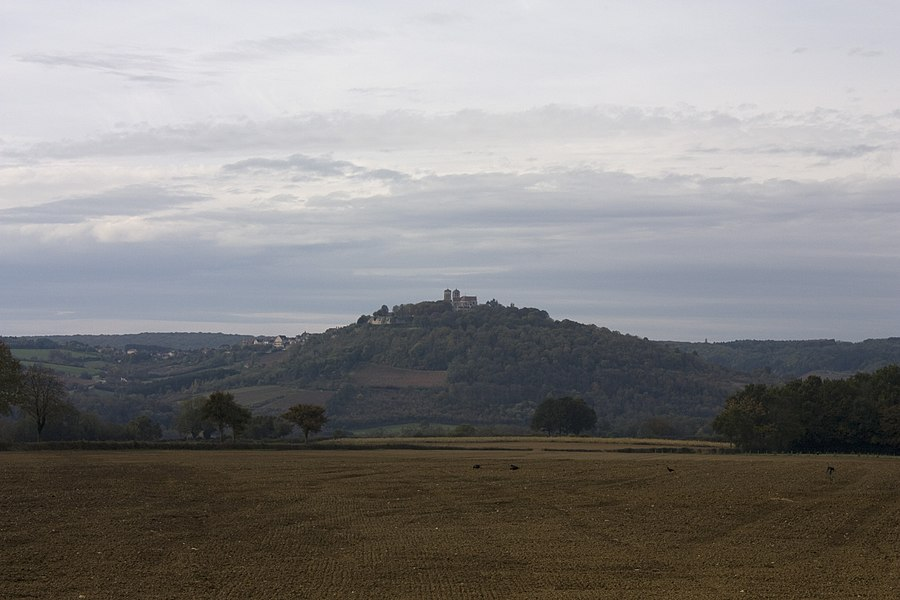 English:  The village and the Basilica of Vézelay, Burgundy, France.