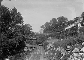 View of Cefn Bridge (4786026).jpg