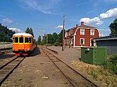 Fil:Virserums station längs smalspåret Växjö-Västervik.jpg