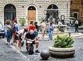 Vita di piazza (34554211015).jpg
