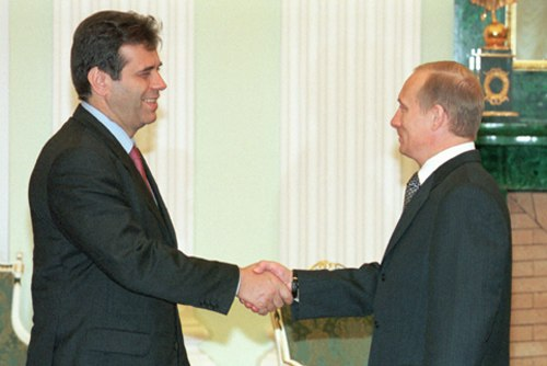 Vladimir Putin with Vojislav Kostunica-1