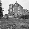 Voor- en rechter zijgevel woonhuis - Zoetermeer - 20224593 - RCE.jpg