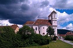 Weiz-Weizbergkirche-Seitenansicht.jpg