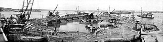 Cofferdam - The wreckage of the USS Maine in Havana Harbor in June 1911, surrounded by a cofferdam